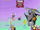 Donald Duck gebruikt bommen om deze gigantische baas te stoppen.
