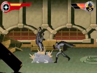 Met zijn rookbommen zorgt Batman voor de nodige afleiding.