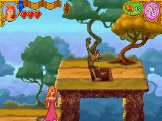 Ga op de knop staan om de goblin door een luik te laten verdwijnen.
