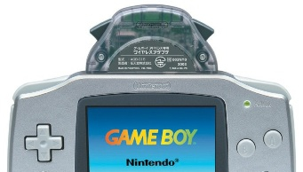 De wireless adapter aangesloten op de <a href = https://www.mariogba.nl/gameboy-advance-spel-info.php?t=Game_Boy_Advance target = _blank>Gameboy Advance</a>.
