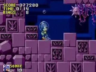 Af en toe neemt Sonic ook een duikje onder water!