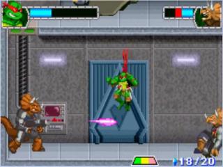 Ontwijk de laserstralen van je tegenstanders door te bukken of er overheen te springen.