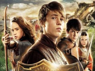 Vier kinderen belanden via een magische kast in het land van Narnia.